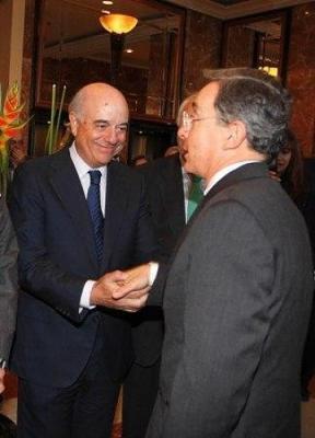 Endesa, junto a otras corporaciones españolas apoyan reelección de Uribe
