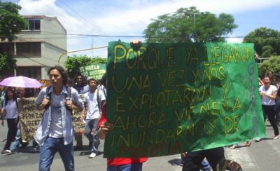 Desobediencia civil y movilización permanente contra la licencia ambiental al proyecto Quimbo