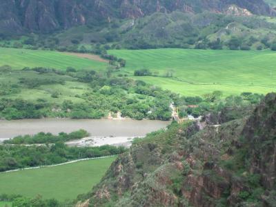 GOBIERNO Y EMGESA ACUERDAN TRANSGREDIR LA LICENCIA AMBIENTAL PARA SALVAR EL NEGOCIO DE EL QUIMBO