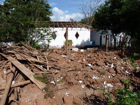 EMGESA DESTRUYE VIOLENTAMENTE EL POBLADO DOMINGO ARIAS